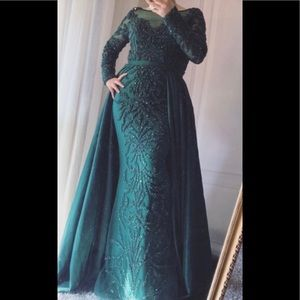 Emerald green beautiful prom dress